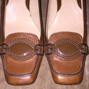 Cole Haan Sz 8 lt brown lthr/patent leather heels